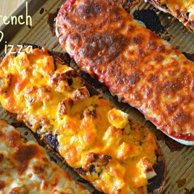 French Bread Pizzas { Super Easy Summer Dinner! }